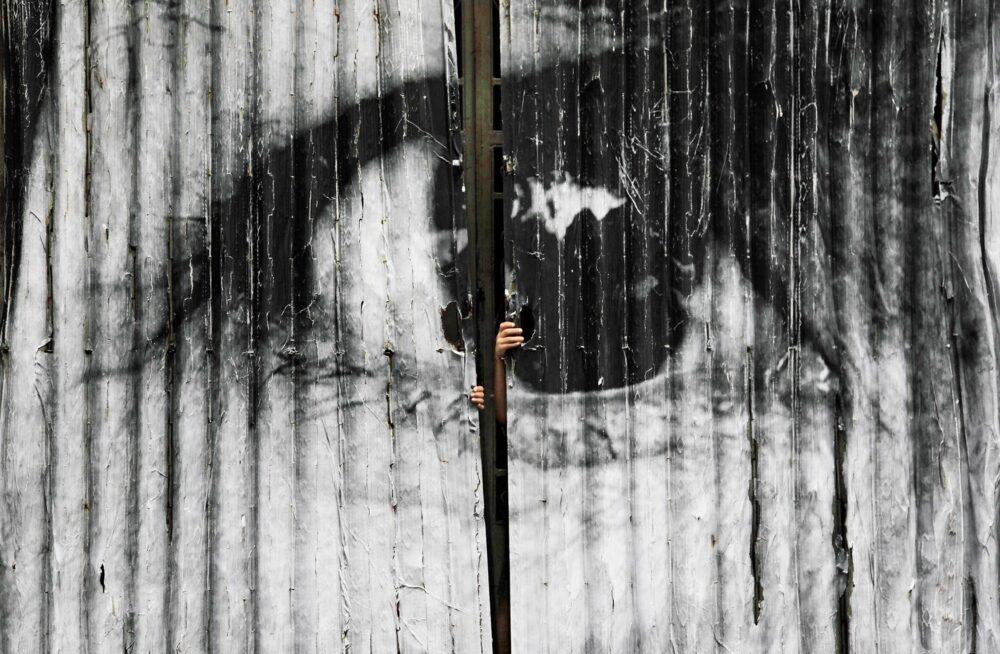 「アートは物の見方を変え、世界の見方を変える【JR】を知っていますか?」のアイキャッチ画像